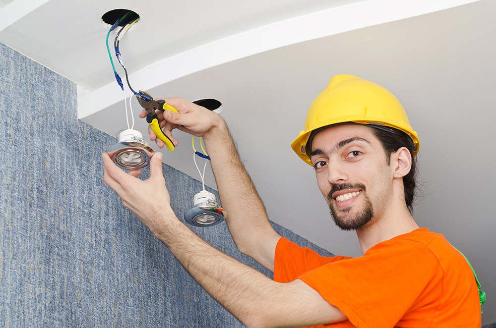 Installation-and-maintenance-electrician-apprenticeships